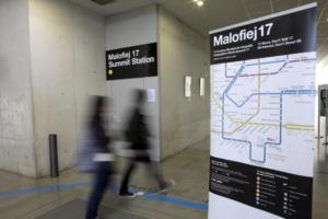 El mapa de tránsito de Malofiej 17 en la entrada de FCom.